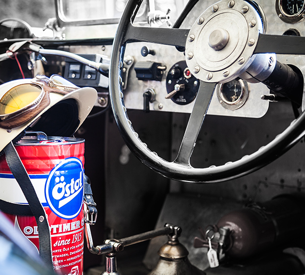 Östol Dose im Fahrzeugraum